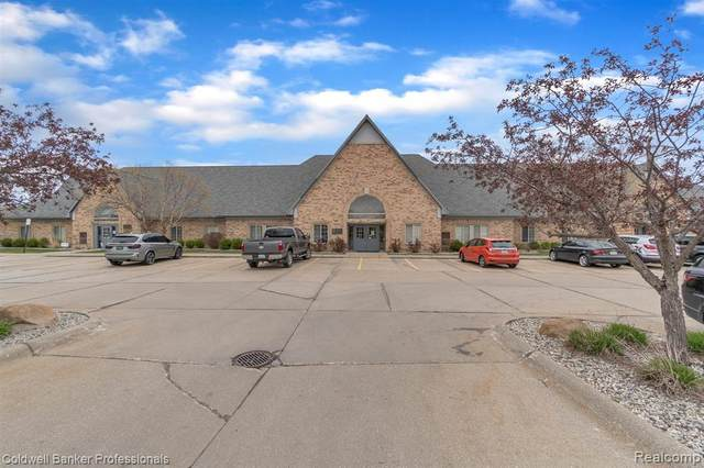 2240 E Hill Road, Grand Blanc Twp, MI 48439 (#2210026833) :: NextHome Showcase