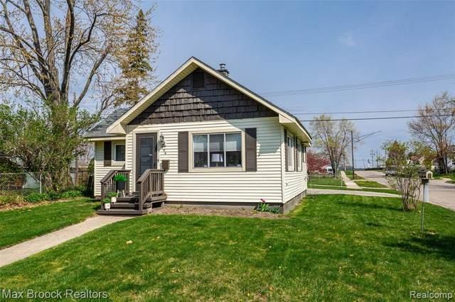 996 Boston Avenue, Waterford Twp, MI 48328 (#2210027141) :: Real Estate For A CAUSE