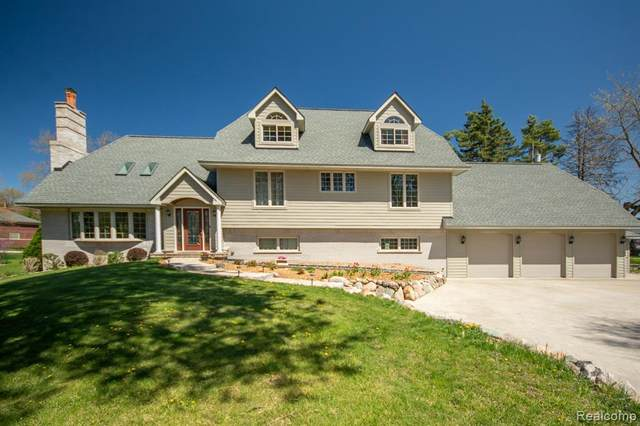 4930 Big Oak Trail Drive, Troy, MI 48098 (#2210027722) :: Real Estate For A CAUSE