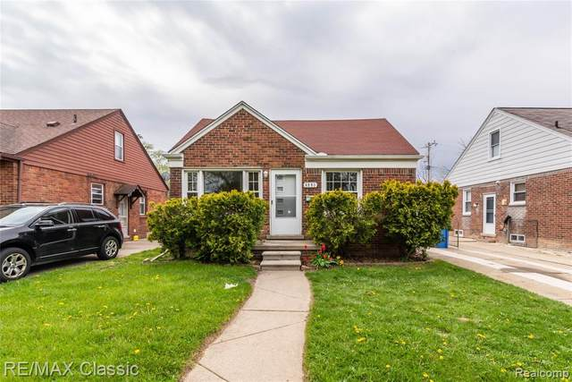 6991 Colonial Street, Dearborn Heights, MI 48127 (#2210031030) :: BestMichiganHouses.com