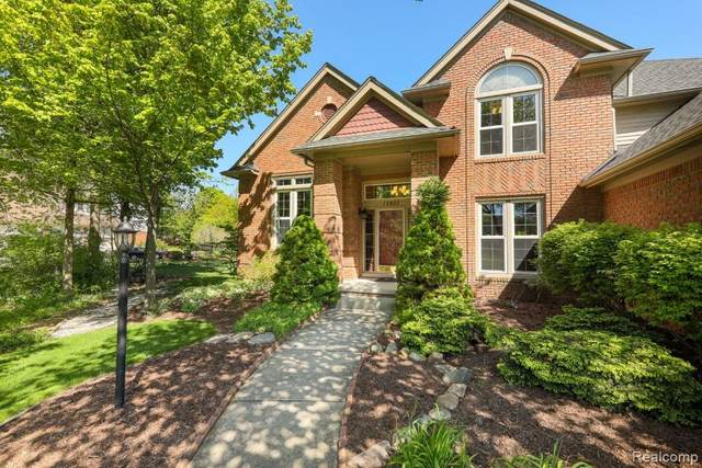 12807 Whithorn Court, Plymouth, MI 48170 (#2210032750) :: BestMichiganHouses.com