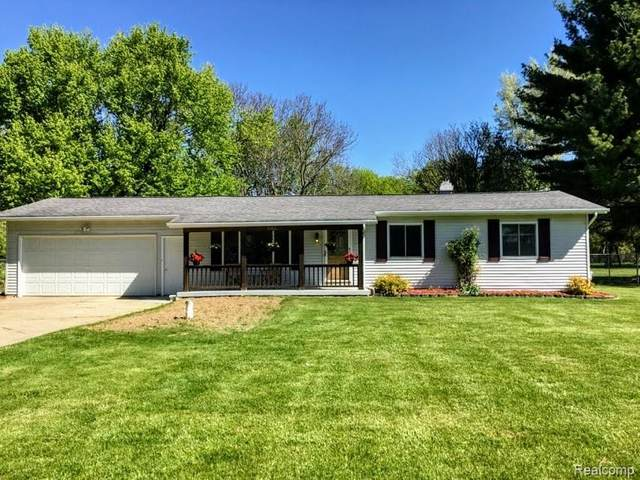 10446 Beecher Road, Flushing, MI 48433 (#2210035520) :: The BK Agency