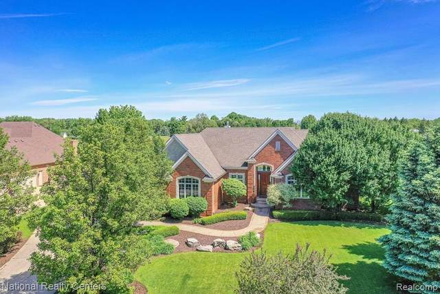 445 Nairn Circle, Highland Twp, MI 48357 (#2210039190) :: Real Estate For A CAUSE