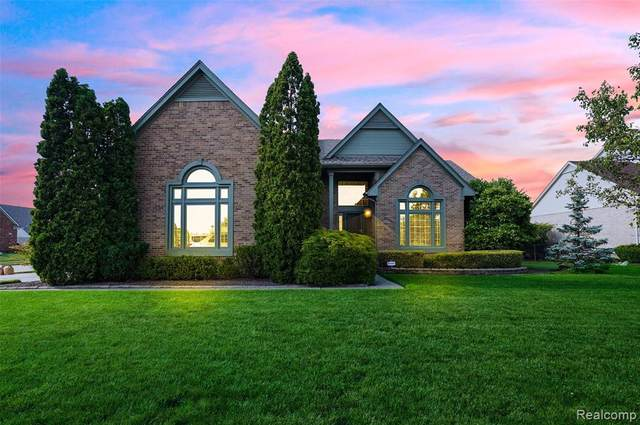 37380 Weymouth Drive, Livonia, MI 48152 (#2210041511) :: Real Estate For A CAUSE