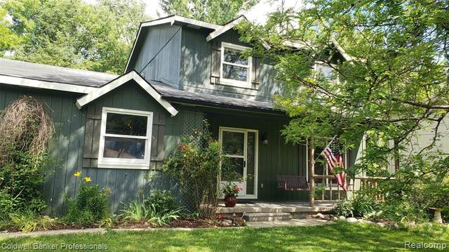 1361 Joan Drive, Orion Twp, MI 48362 (#2210049744) :: Real Estate For A CAUSE