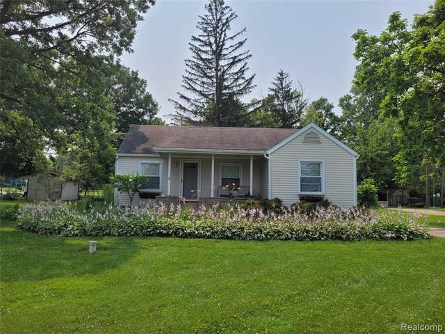 2069 W Maple Avenue, Mundy Twp, MI 48507 (#2210057147) :: National Realty Centers, Inc