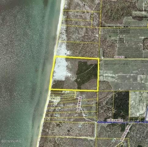 2799 Lukens Road, Onekama Twp, MI 49614 (#67021100611) :: The Vance Group | Keller Williams Domain