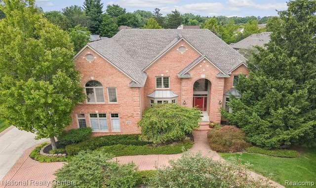 41768 Chesterfield Court, Novi, MI 48375 (#2210068527) :: Duneske Real Estate Advisors