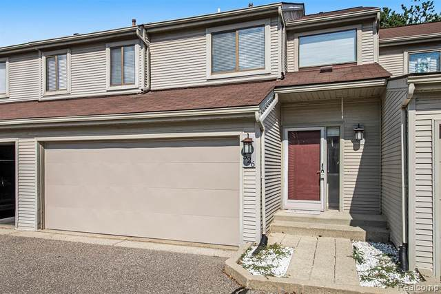 526 Oxford Court #18, Rochester Hills, MI 48307 (#2210072376) :: National Realty Centers, Inc