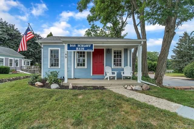 69 S Main Street, Village Of Clarkston, MI 48346 (#2210073555) :: NextHome Showcase