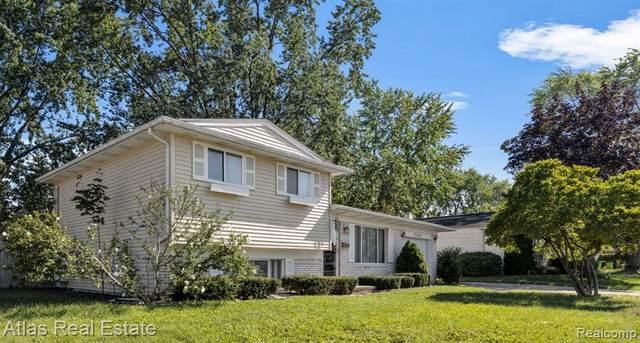 5233 Oakview Drive, Swartz Creek, MI 48473 (#2210074111) :: Real Estate For A CAUSE