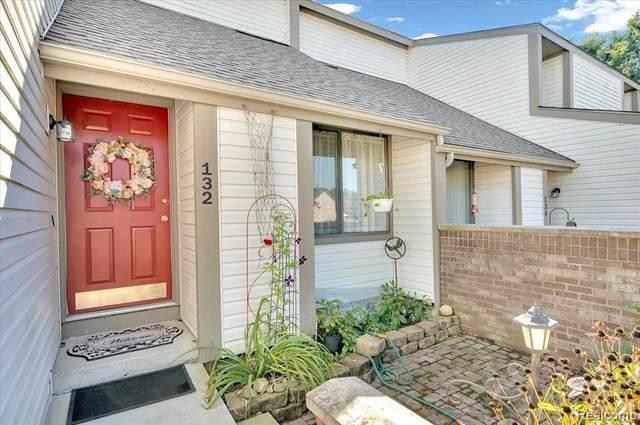 132 Conda Lane, Oxford Vlg, MI 48371 (#2210082203) :: Real Estate For A CAUSE