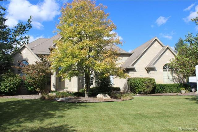 2952 Long Winter Lane, Oakland Twp, MI 48363 (#218096375) :: The Mulvihill Group