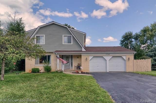 3740 Ramada Drive, Highland Twp, MI 48356 (#219061569) :: The Buckley Jolley Real Estate Team