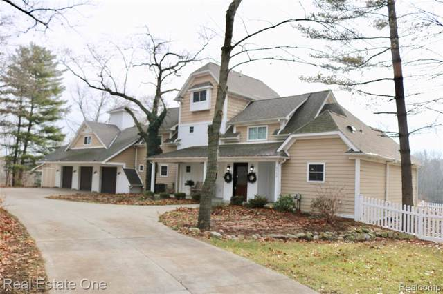 8550 Winans Lake Road, Green Oak Twp, MI 48116 (MLS #219111925) :: The Toth Team