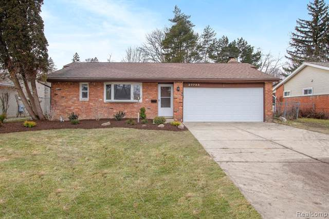 27755 E Larkmoor, Southfield, MI 48076 (#2200004995) :: The Alex Nugent Team | Real Estate One