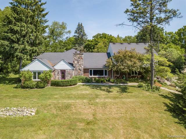 46018 Bloomcrest Drive, Northville Twp, MI 48167 (MLS #2200016753) :: The John Wentworth Group