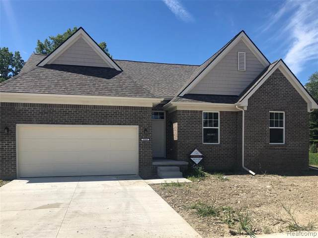 29368 Bayside Circle South, Chesterfield Twp, MI 48047 (#2200018027) :: BestMichiganHouses.com