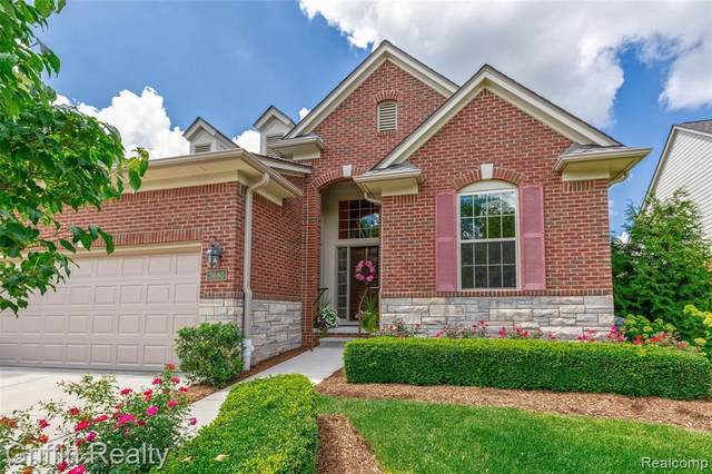 3680 Winding Brook Circle, Rochester Hills, MI 48309 (#2200064288) :: The Mulvihill Group