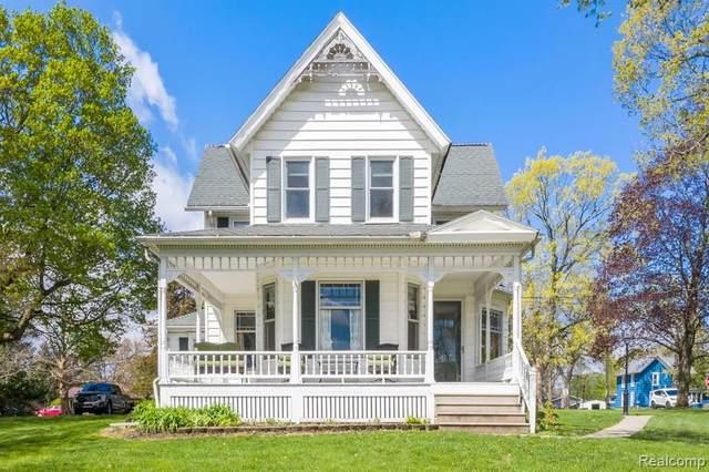 101 Hill Street, Stockbridge Vlg, MI 49285 (#2210008496) :: Duneske Real Estate Advisors