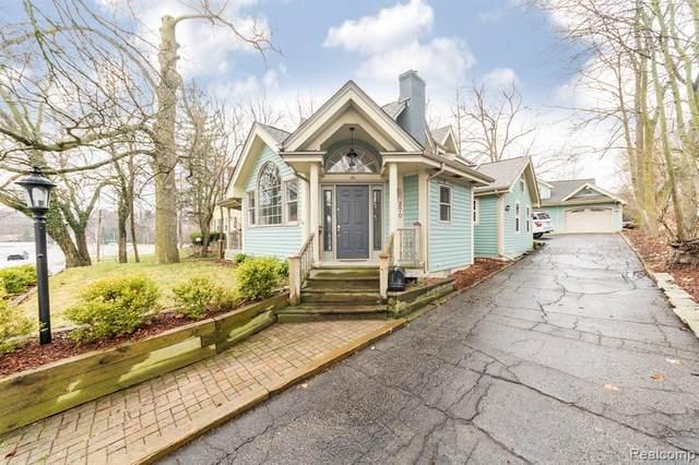 270 S Center Street, Northville, MI 48167 (#2210010354) :: Duneske Real Estate Advisors