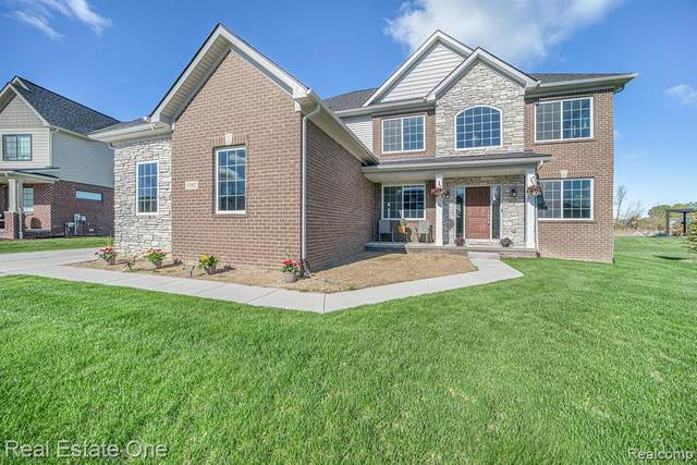 5392 Aberdeen Court, Independence Twp, MI 48348 (#2210033592) :: Real Estate For A CAUSE
