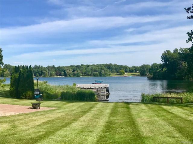 56 Chateaux Du Lac, Fenton Twp, MI 48430 (#218029857) :: RE/MAX Classic