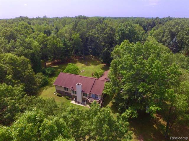 6500 Victoria Court, Tyrone Twp, MI 48430 (#219081844) :: The Buckley Jolley Real Estate Team
