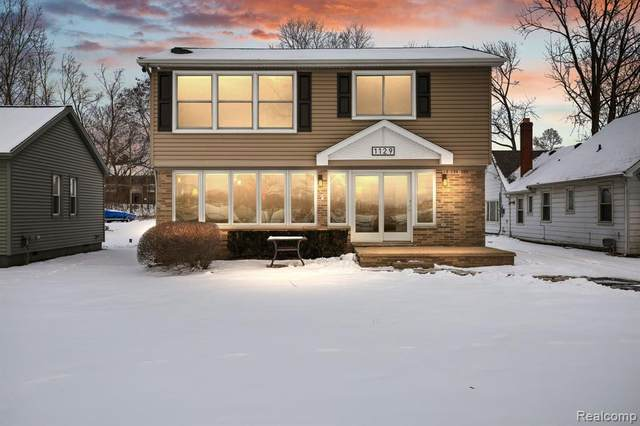 1129 E Lake Drive, Novi, MI 48377 (#2210004954) :: Duneske Real Estate Advisors