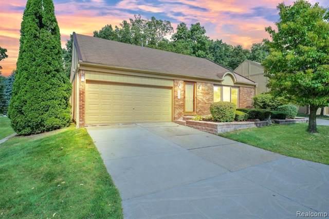 2331 Rochelle Park Drive, Rochester Hills, MI 48309 (#219097985) :: The Buckley Jolley Real Estate Team