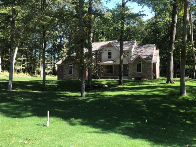2511 Pine Bluffs Ct, Highland Twp, MI 48356 (#217092321) :: Duneske Real Estate Advisors