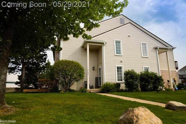 37454 Stonegate #107, Clinton Twp, MI 48036 (#58050042661) :: Real Estate For A CAUSE