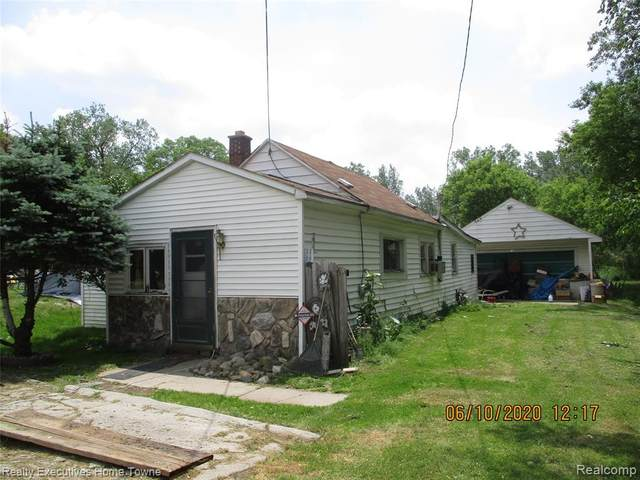 3571 Dove Road, Port Huron Twp, MI 48060 (#2200042412) :: Keller Williams West Bloomfield
