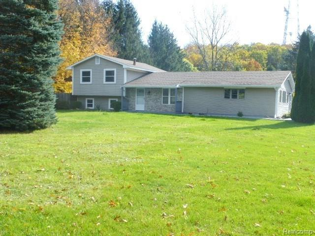 12924 Stobart Road, Brighton Twp, MI 48380 (#217104737) :: The Buckley Jolley Real Estate Team