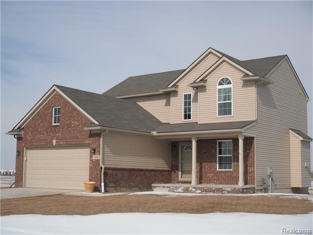 4096 Peach Tree Lane, Howell, MI 48843 (#217105132) :: The Buckley Jolley Real Estate Team