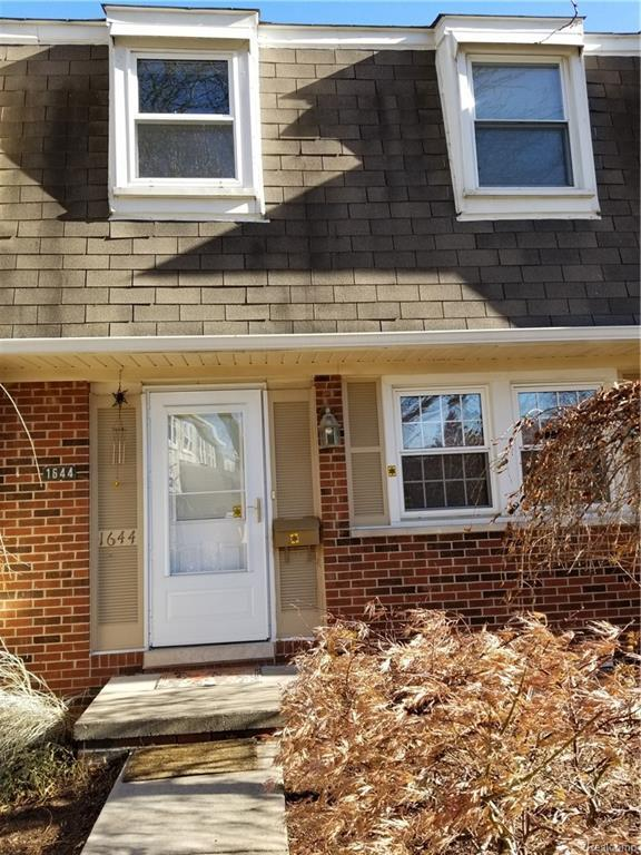 1644 Brentwood Drive #117, Troy, MI 48098 (#217109830) :: Simon Thomas Homes