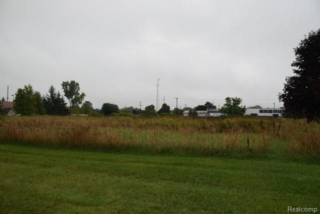 VL Parkway Drive, Howell, MI 48843 (#215011349) :: The Mulvihill Group
