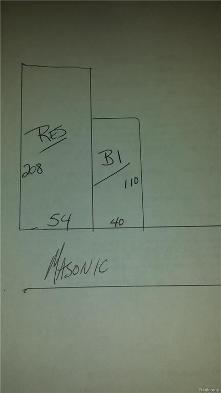 22323 Masonic, Saint Clair Shores, MI 48082 (MLS #215118138) :: The Toth Team