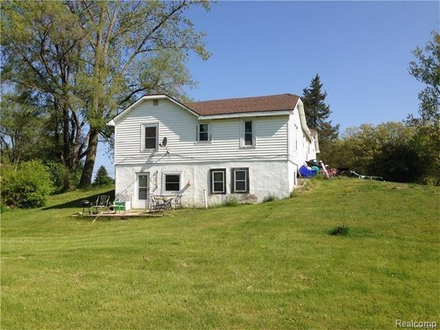 7035 Andersonville Road, Independence Twp, MI 48346 (#216073677) :: Duneske Real Estate Advisors