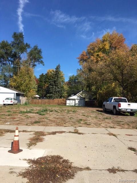 104 W Walton Boulevard, Pontiac, MI 48340 (#216102277) :: The Alex Nugent Team | Real Estate One