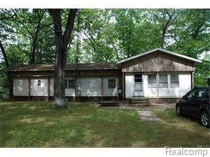 249 S Maple Road S, Branch Twp, MI 49402 (MLS #217079421) :: The Toth Team