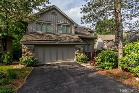 4896 Woodcliff Hill Road N, West Bloomfield Twp, MI 48323 (#217098897) :: RE/MAX Classic
