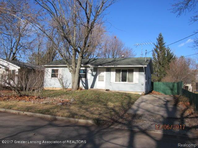 2318 Midwood Street, Lansing, MI 48911 (MLS #630000222249) :: The Toth Team