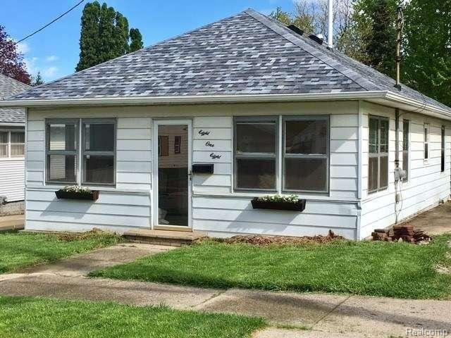818 Virginia Street, Jackson, MI 49202 (#543253486) :: RE/MAX Classic