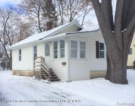 2108 Clifton Avenue, Lansing, MI 48910 (#630000222594) :: Duneske Real Estate Advisors