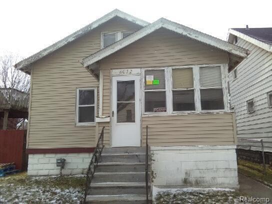 8032 Jackson Avenue, Warren, MI 48089 (MLS #218003870) :: The Toth Team