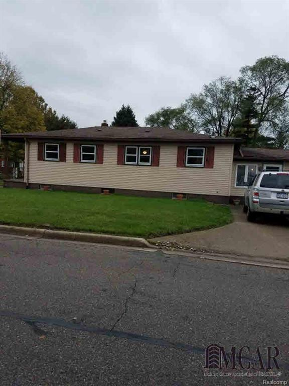 1043 Bentley, Monroe, MI 48162 (#57003451579) :: Duneske Real Estate Advisors