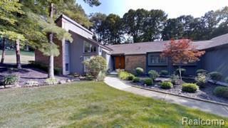 1879 S Golf Ridge Drive S, Bloomfield Twp, MI 48302 (#218008040) :: Duneske Real Estate Advisors