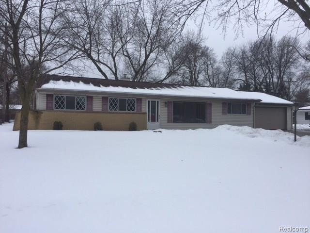 6517 Rowley Drive, Waterford Twp, MI 48329 (#218012603) :: RE/MAX Classic