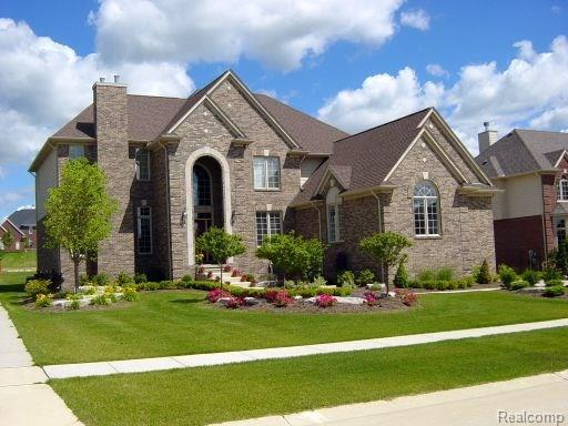 702 Panorama, Rochester Hills, MI 48306 (MLS #218012613) :: The Toth Team